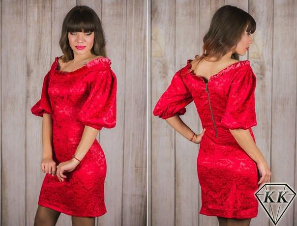 красное платье со змейкой