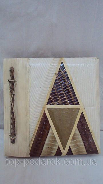 Фотоальбом ручной работы из листьев и коры