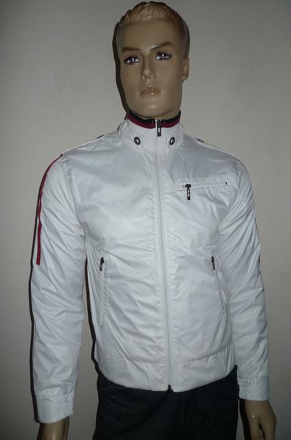 Молодежная куртка белого цвета - Акция !