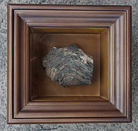 Киот для частички Мамврийского дуба ровный, из ольхи, с внутренней деревянной рамкой.