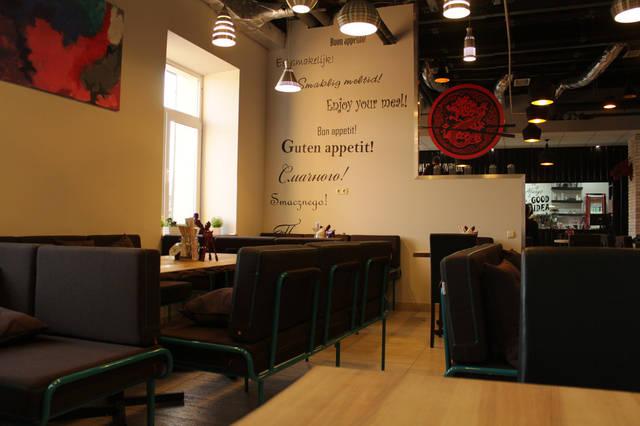 Urban Wok Cafe. В новый год с новой мебелью. 3