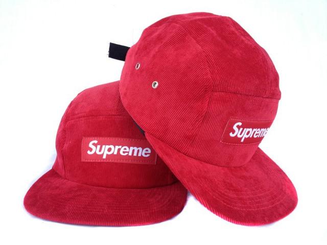 Кепки Supreme