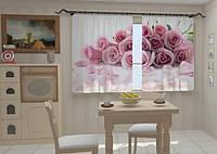 Лепестки роз в кухне