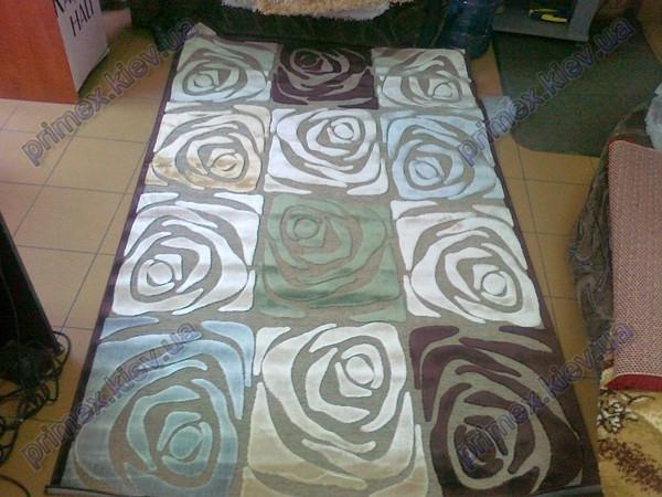 """Ковер из вискозы Даймонд """"Чайные розы"""", коричнево-бежево-голубые тона"""