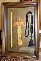 Киот из ольхи ровный, с деревянной рамкой, открывающийся для постригального креста.