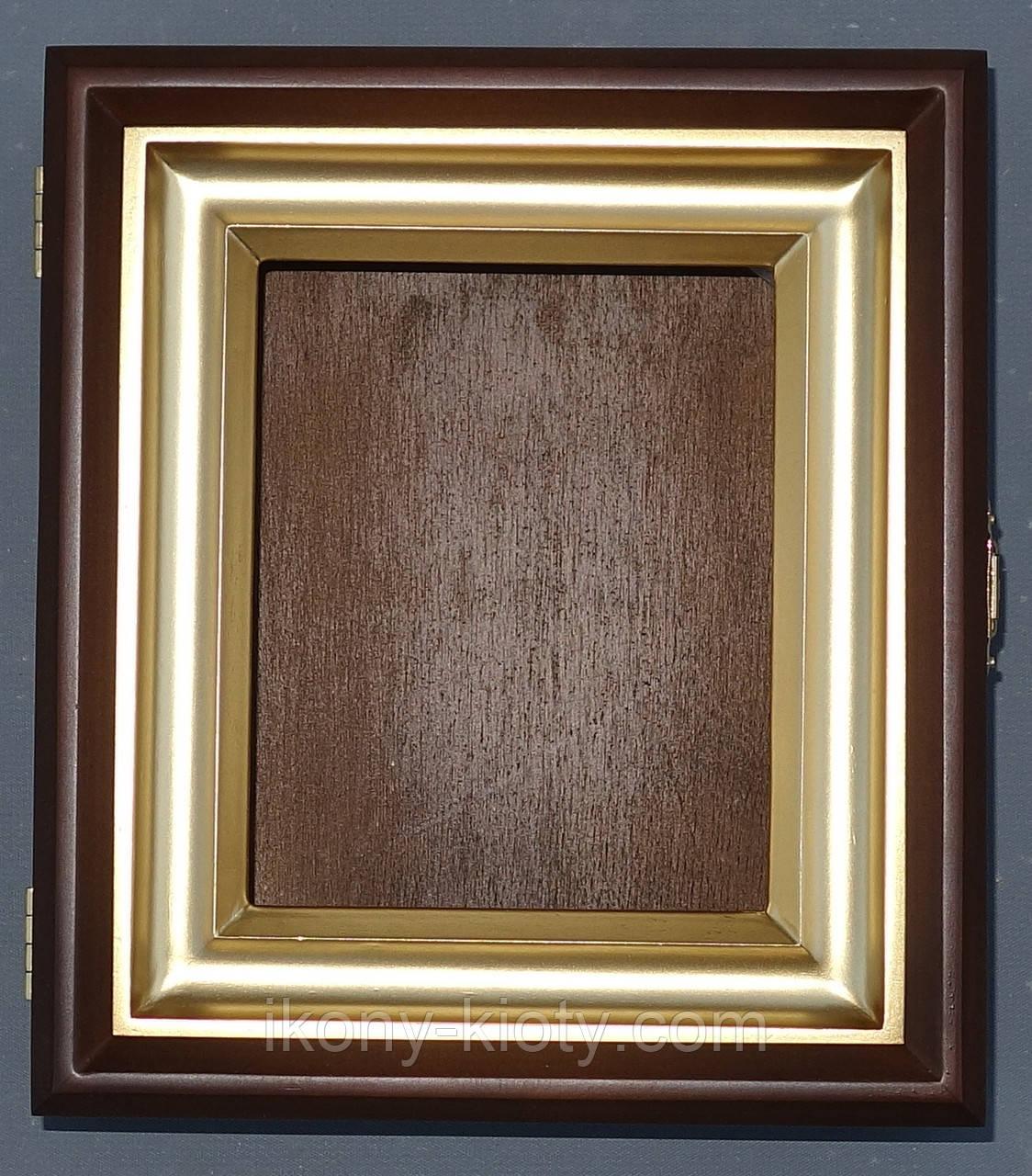 Ровный миниатюрный киот из ольхи с деревянной рамкой, покрытой акриловой краской, имитирующей золото.