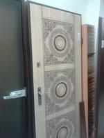 Двері вхідні у квартиру металеві з мдф і патиною