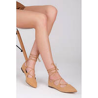 Замшевые женские бежевые балетки со шнуровкой