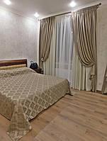 Текстильное оформление спальни: шторы, покрывало