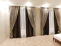 шторы в спальне: коричневые рабочие шторы блекаут и шторы с рисунком декоративные