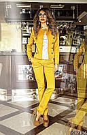 Костюм женский пиджак на пуговицах и брюки