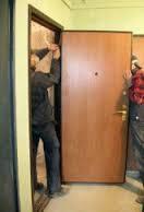 Демонтаж металлических дверей с рамой