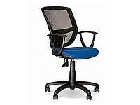 Кресла офисные для персонала нс GTP OH/5 C-11 черный Betta 67х45х84-97см пласт подлок, спинка-сетка