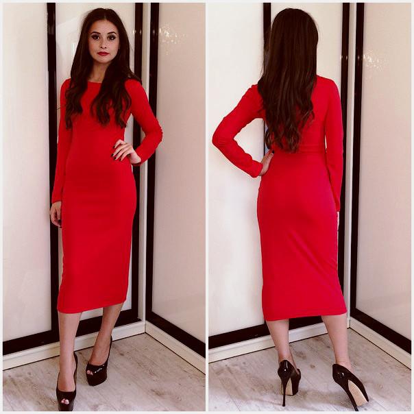 Стильно трикотажное платье футляр миди красное