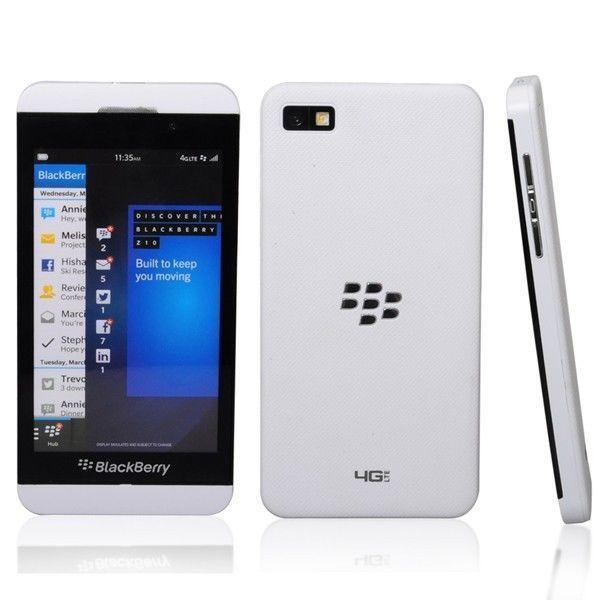 Смартфон BlackBerry Z10 (White)