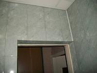 Укладка керамической плитки на дверь