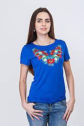Жіноча вишита футболка в синьому кольорі