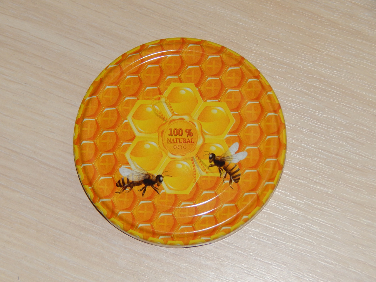 Крышка закаточная твист-офф размер 82 мм две пчёлки