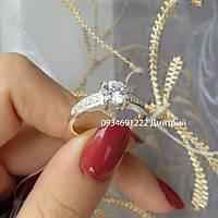 Стильное кольцо с камнями
