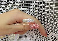 Шикарное серебряное кольцо с россыпью камней