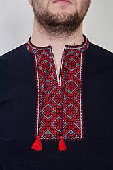 Чоловіча вишита чорна футболка з червоним принтом