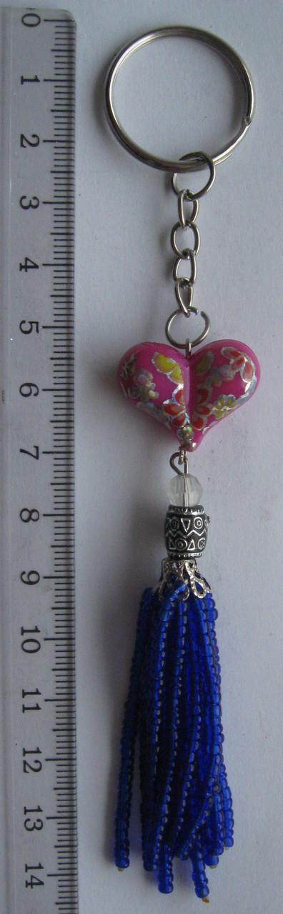 Брелок  сердце с бисером   длина с кольцом 14  см.
