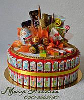 Торт из Киндеров. Подарок ребенку из конфет на 1 сентября, фото 1