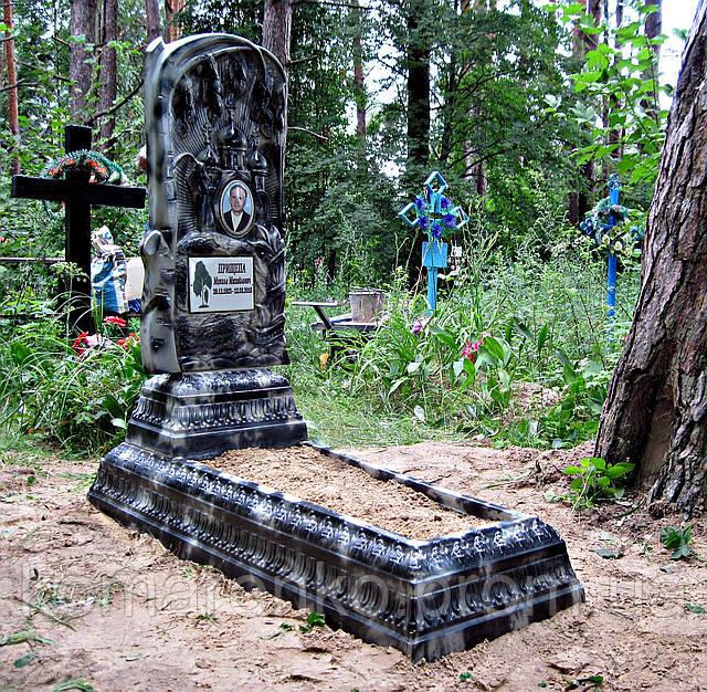 Памятник на кладбище (высококачественный бетон)