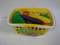 Игрушечные овощи в корзинке