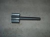 Вал насоса масляного ГАЗ 3102,3302 с шестерней (производство ЗМЗ