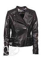 Черная кожаная куртка косуха женская
