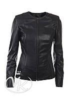 Черная кожаная куртка без воротника