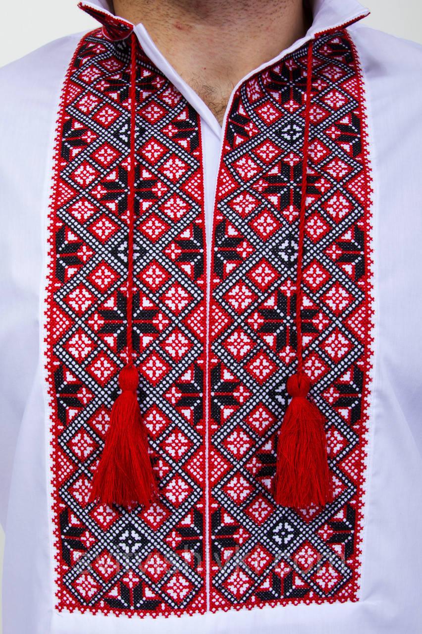 Мужская вышитая сорочка с широким красным орнаментом