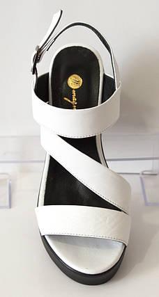 Белые босоножки женские на каблуке Magnolya 25872, фото 2