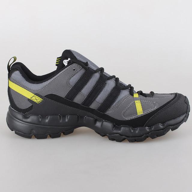 Кроссовки adidas  ax1