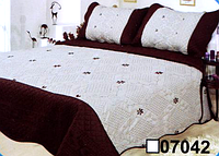 Покрывало стеганное с двумя наволочками евро размера CLOBAN белое с коричневым