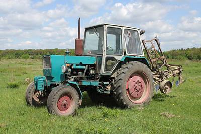 Запчасти к трактору ЮМЗ-6