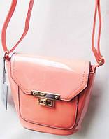 Женская лаковая  клатч - сумка  цвет персик