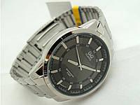 Часы мужские Q@Q  стальные, водозащита 5Bar, серебристые