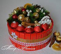 """Торт из конфет """"Рождественский"""" с ангелом. Торт-шкатулка."""