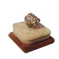 Бежевая бархатная подставка для кольца, фото 1