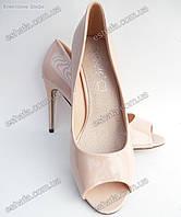 Женски туфли (с открытым носком) лодочки лаковая кожа каблук 10,5см. Нюд