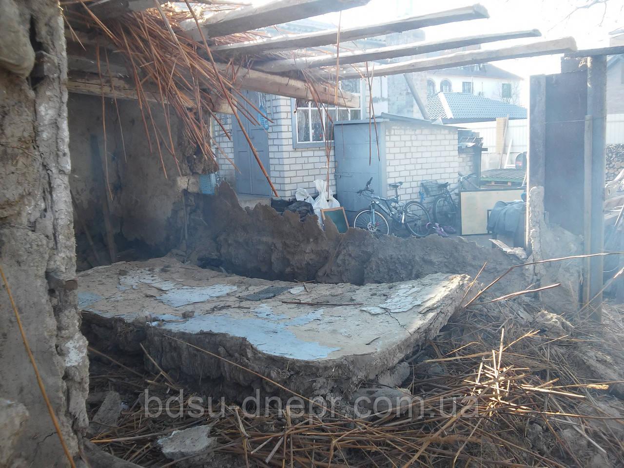 Снос постройки в Днепропетровске