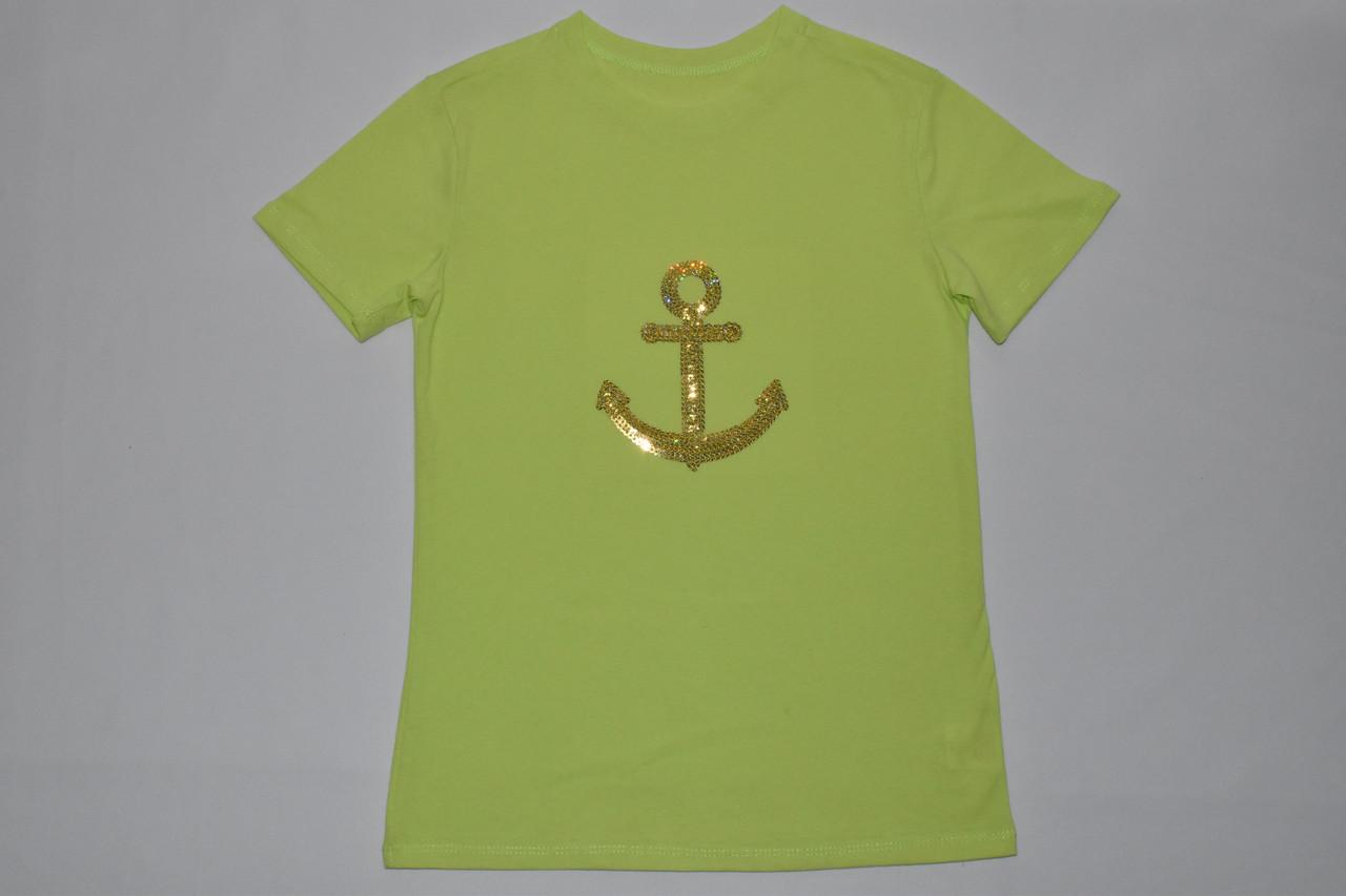 Красивая футболка с якорем