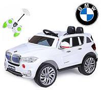 Детский электромобиль джип BMW X5 new с планшетом и кож. сиденьем M 2762 EBLR-1 (MP4) белый