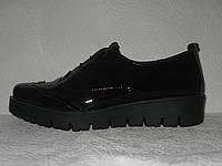 Туфли броги женские модные натуральная лаковая кожа