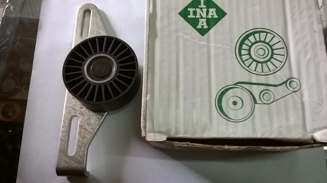 Натяжной ролик,поликлиновый ремень(ременный привод)