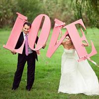 Большие буквы LOVE для фотосессий