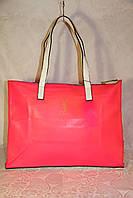 Спортивная сумочка Yves Saint Laurent яркого цвета