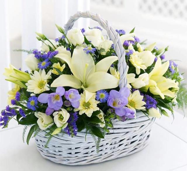 Искусственные цветы ( букеты искусственных цветов и одиночные ветки )
